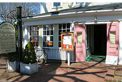 pet friendly restaurant in nantucket