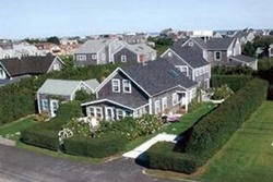 pet friendly by owner vacation rental in nantucket, pet friendly and wheelchair accessible rentals in Nantucket, Wonderful Brant Point Garden Home